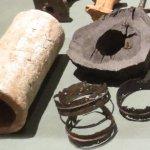 Rohre aus Ton und Holz